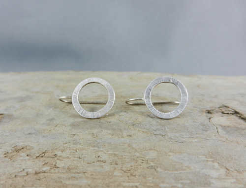small hammered circles silver sleeper earrings