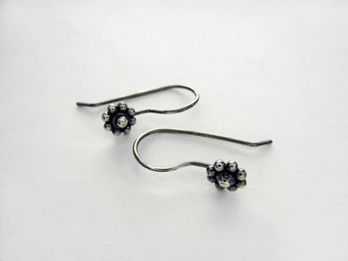 in and gold diamond plate p earrings v accent daisy silver sterling stud
