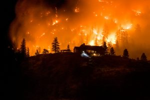 2020, Christie Mountain wildfire, firefighters, RDOS, City of Penticton, Douglas Drouin Photography, BC Wildfire Service, helicopters, water bombers, evacuation,